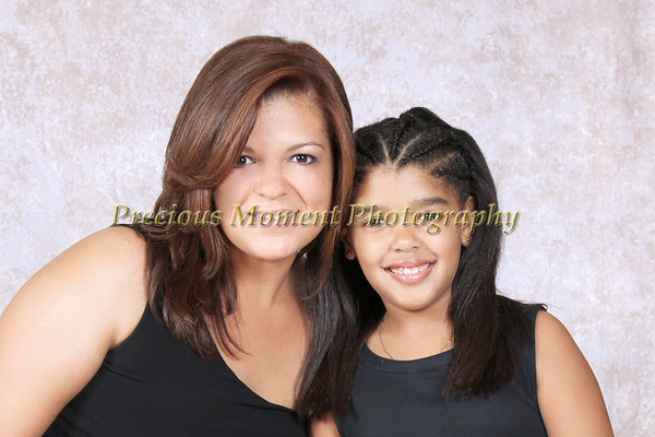 Mommies & Daughters - Roxana