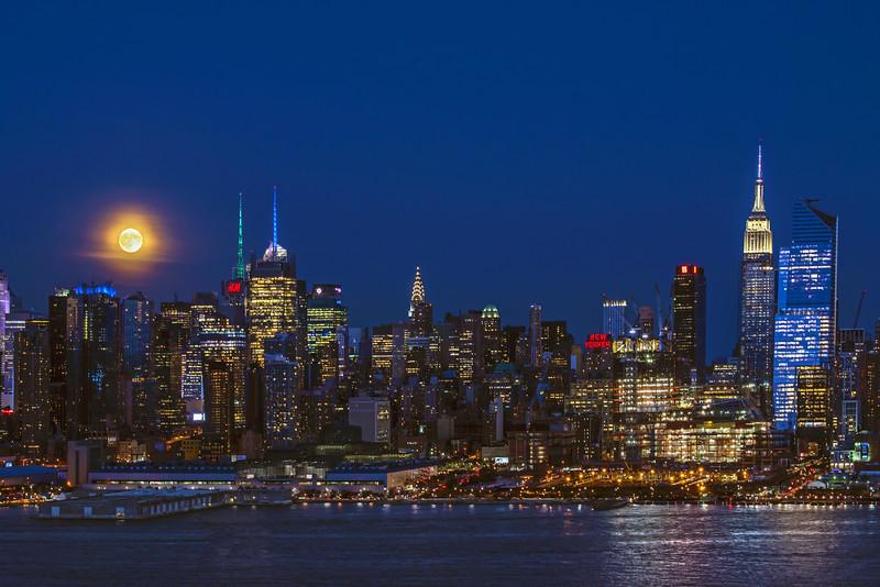 NY Skyline Harvest Moonrise