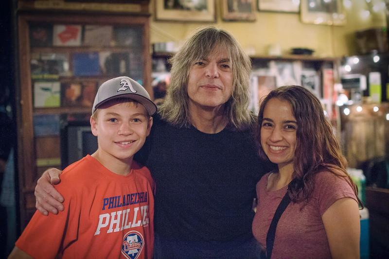 Mike Stern and kids-.jpg