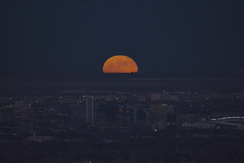 Denver Moonrise Final.mov