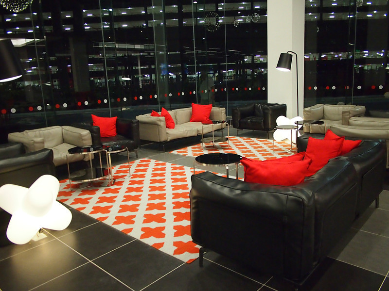 P5319122-lounge.JPG