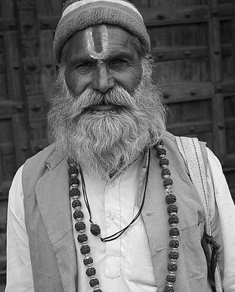 NE-INDIA-20041030B-67A-BW.jpg