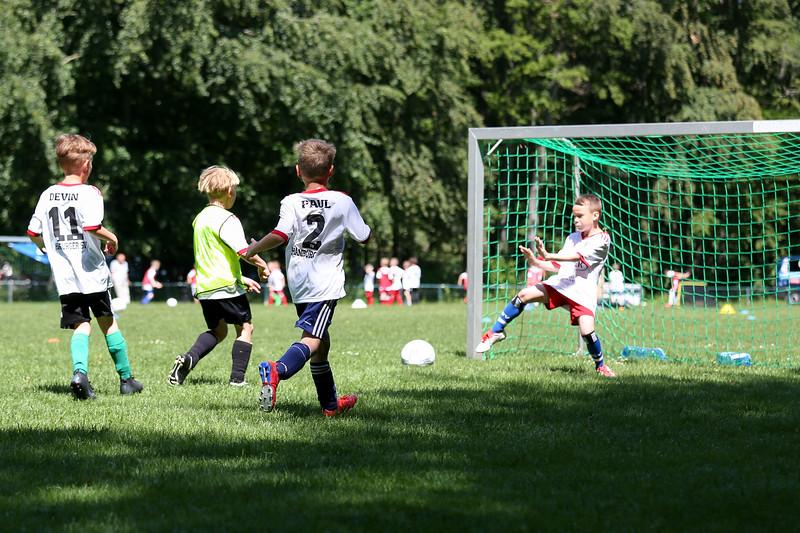 hsv_fussballschule-532_48047988413_o.jpg
