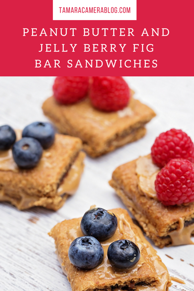 These peanut butter and jelly berry fig bar sandwiches are made with delicious, soft-baked #NaturesBakery fig bars! Great #backtoschool treat for your kids!