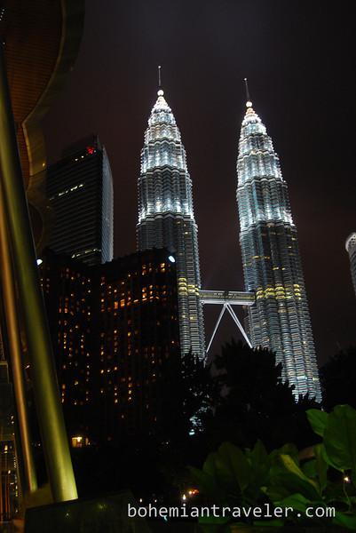 Petronas Towers at night in Kuala Lumpur Malaysia.jpg