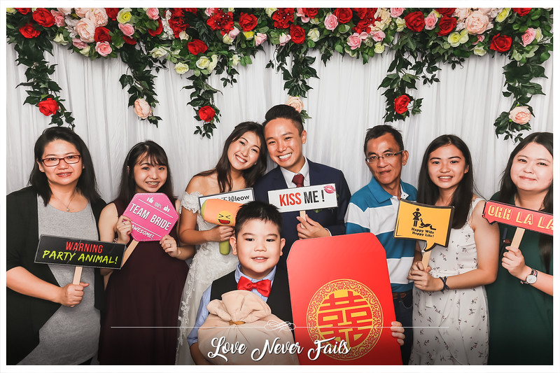 Wedding of Sunny & Fiona | © www.SRSLYPhotobooth.sg