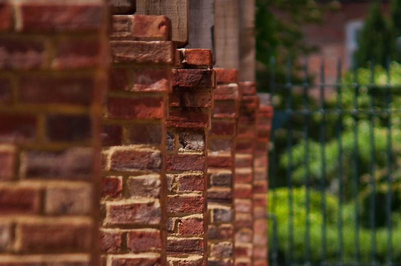 Lloyd Park brick pergola 1.jpg