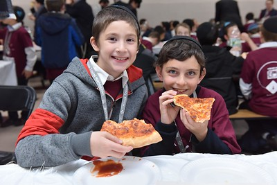 Motzai Shabbos - Pizza!
