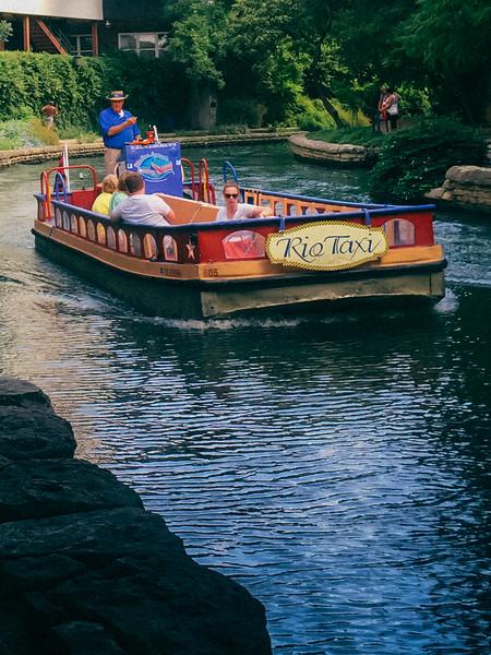 rio taxi 3.jpg