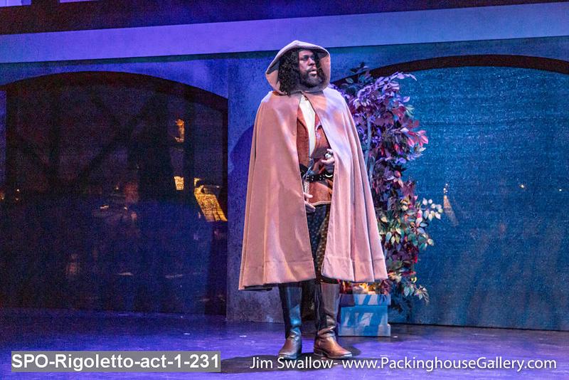 SPO-Rigoletto-act-1-231.jpg