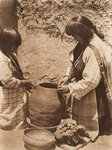 Tsipiai - Sia (The North American Indian, v. XVI. Norwood, MA, The Plimpton Press,  1926)
