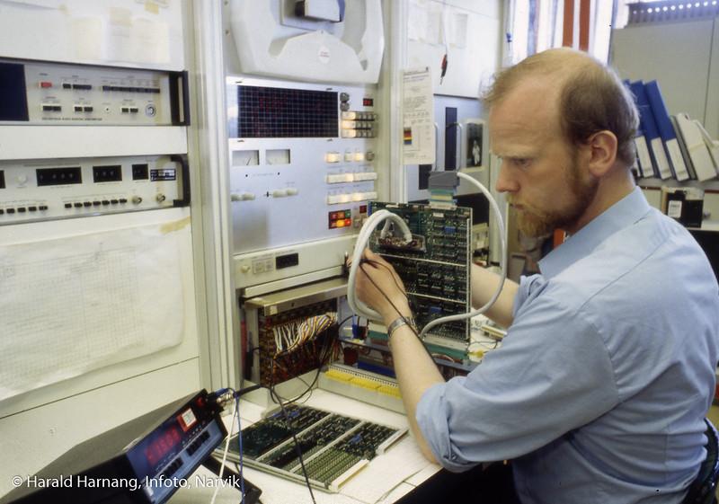 Testleder Tor Arne Jensen, Norsk forsvarsteknologi, NFT, Funskjonstest av kretskort.
