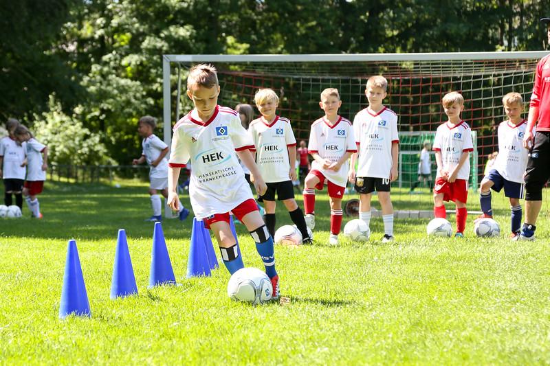 hsv_fussballschule-430_48048036847_o.jpg