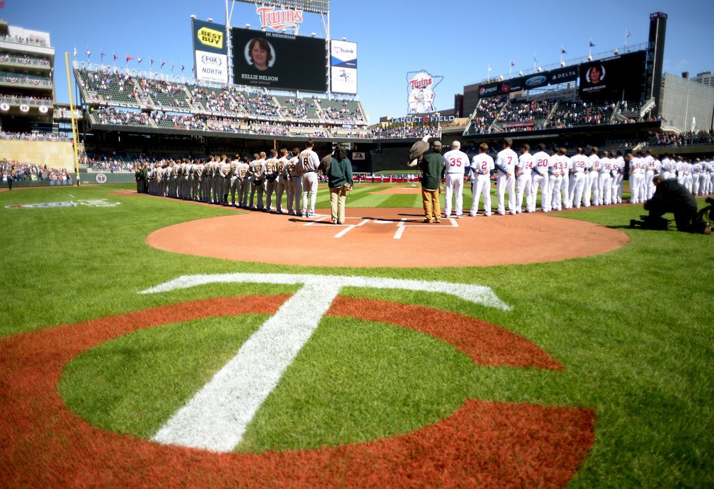 ". <p>3. MINNESOTA TWINS <p>Four thousand empty seats for a sunny, 58-degree home opener? Apparently, our tolerance for lousy baseball has its limits. (unranked) <p><b><a href=\'http://www.twincities.com/sports/ci_25516802/tom-powers-one-day-winning-isnt-everything-twins\' target=""_blank\""> HUH?</a></b> <p>    (Pioneer Press: John Autey)"