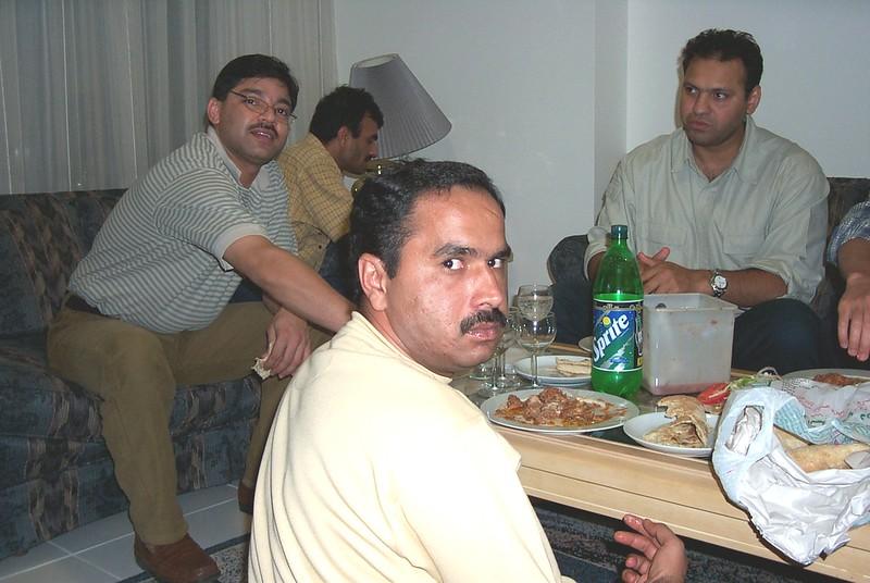 Kami-Haroon-moeen-Qamroo.jpg