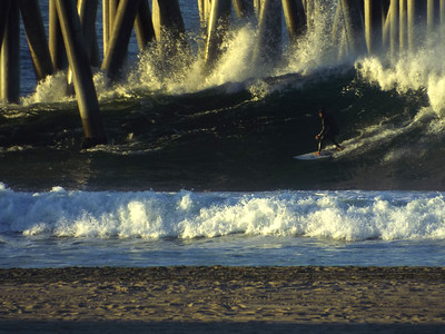 12/19/19 *  DAILY SURFING PHOTOS * H.B. PIER