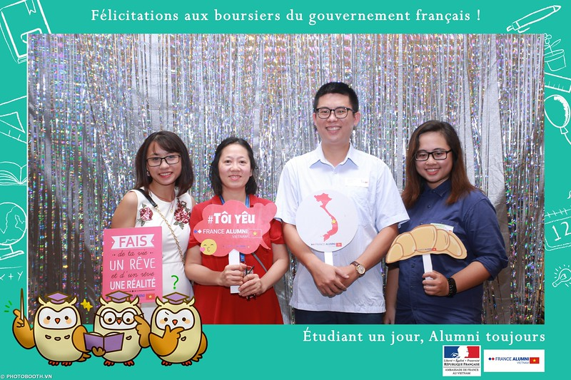 France-Alumni-Vietnam-photobooth-at-Franch-Embassy-Vietnam-photobooth-hanoi-in-hinh-lay-ngay-Su-kien-Lanh-su-quan-Phap-WefieBox-photobooth-vietnam-024.jpg