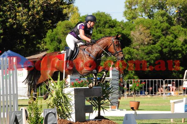 2016 12 10 Eventing in the Park Grand Prix 03 Kate Ingham Springfield Cezarina