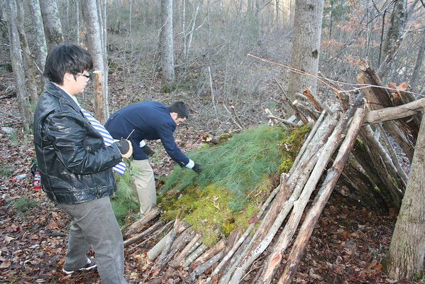 Outdoor Living Skills Class Builds Outdoor Shelters