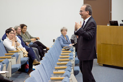 President Rodríguez visits the School of Public Health