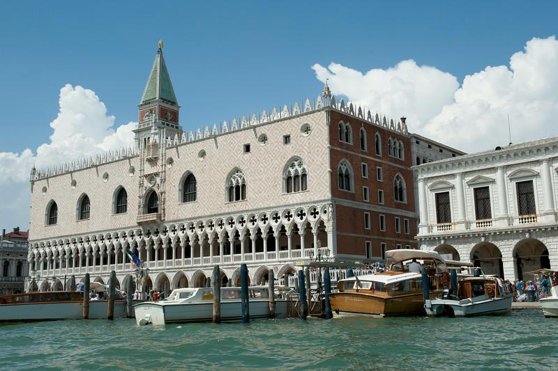 Gondola 12.jpg