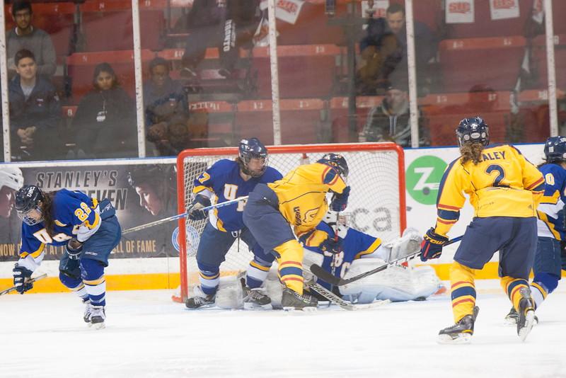 20130310 QWHockeyvsUBC 564.jpg
