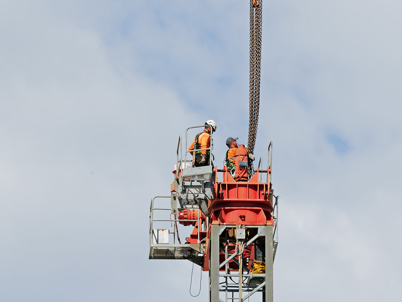 Construction crane removal. Update ed317. Gosford. April 9, 2019.