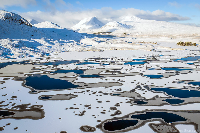 LochRannoch_snow_ice_patternsMoThomson_Jan2016.jpg