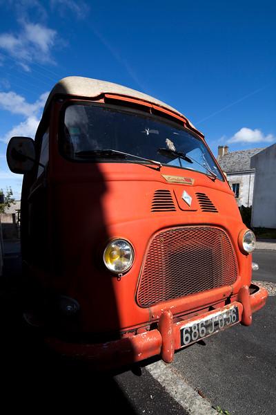Vintage Renault van, model Estafette 1000, town of Baden, departament of Morbihan, Brittany, France