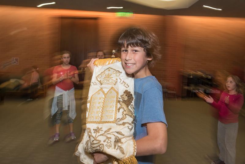 Simchat Torah4601.jpg