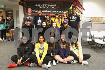 2017-18 Mustang Soccer College Signing