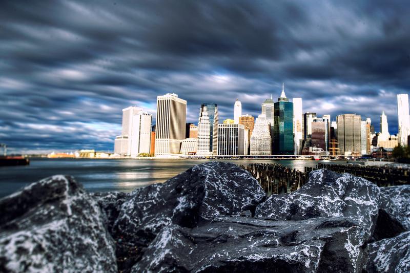 brooklyn-bridge-park-rocks