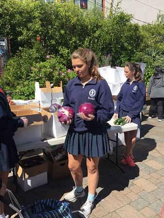 Eighth-Grade Food Pantry | April 27, 2017