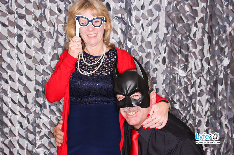 red-hawk-2017-holiday-party-beltsville-maryland-sheraton-photo-booth-0156.jpg