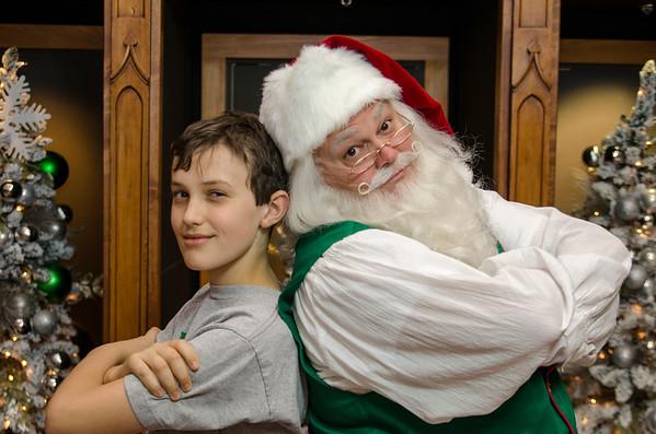 2014 Grove Arcade Portraits with Santa