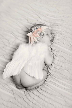 Avalee L. - Beautiful Newborn