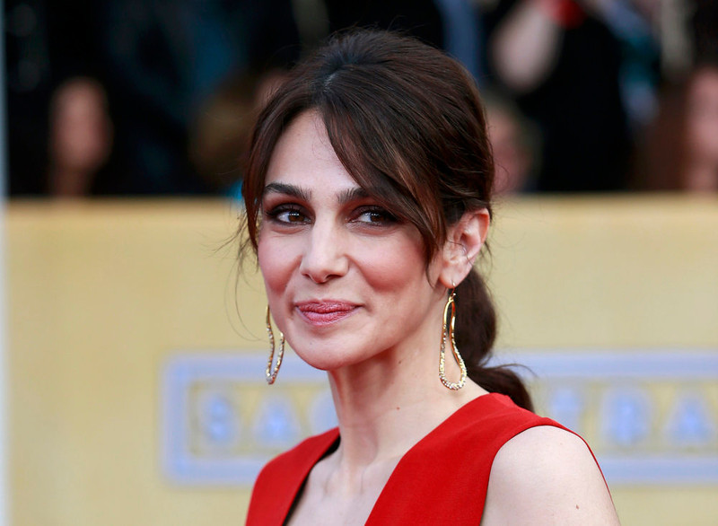 . Actress Annie Parisse arrives at the 19th annual Screen Actors Guild Awards in Los Angeles, California January 27, 2013.  REUTERS/Adrees Latif