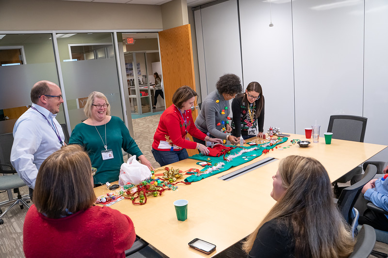 Resource Group Holiday Party 2019-00673.jpg