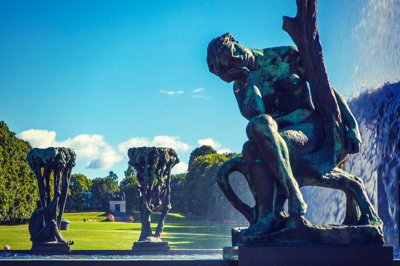 挪威维格兰雕塑公园,风格明显