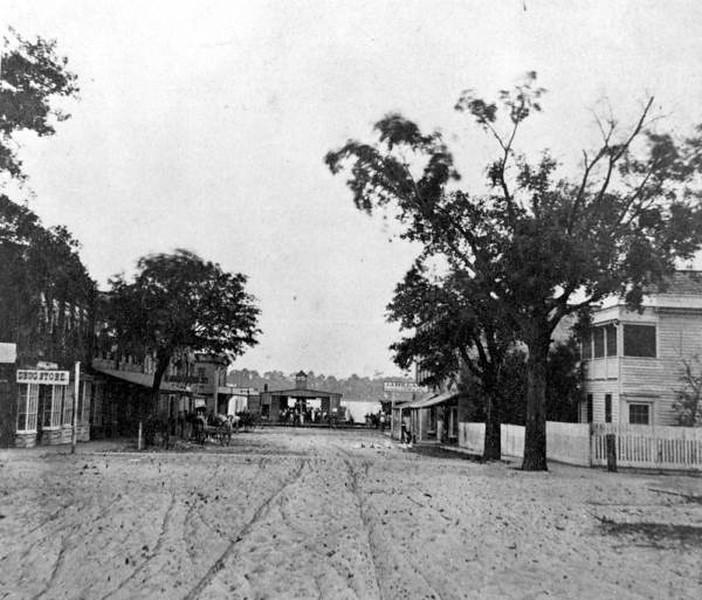 Market - 1870s.jpg