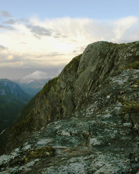 Orage sur le sentier de l'  Storm on the Acropole des Draveurs - Parc des Hautes Gorges de la Rivière Malbaie