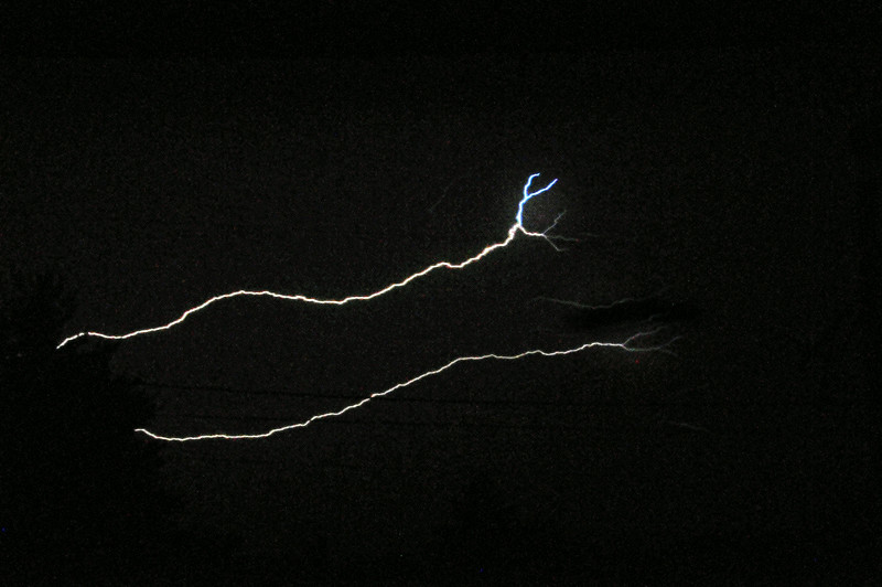 Thin lightning bolts.jpg