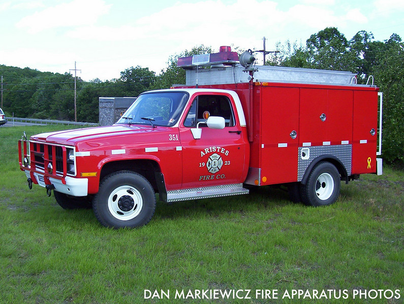 ARISTES FIRE CO. SQUAD 351 1987 CHEVY/AFC SQUAD