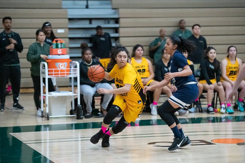 Basketball-W-2020-01-31-7823.jpg