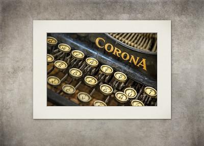 Corona - Vintage Typewriter - $5