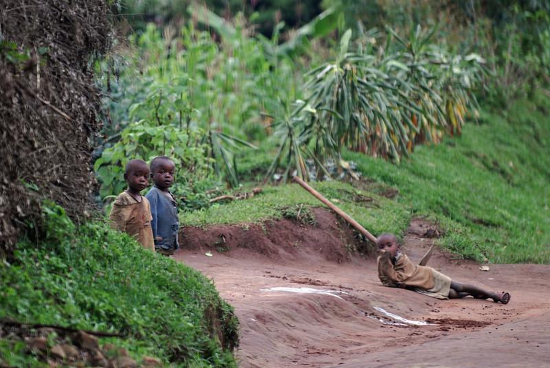 070116 4784 Burundi - on the road to Bururi _E _L ~E ~L.JPG