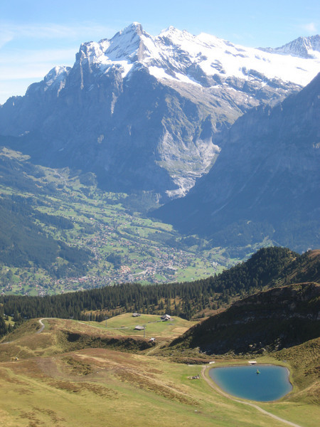 mountain_village_lake.jpg