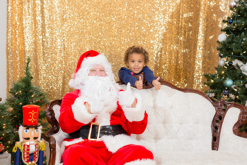 FADS Picture with Santa-254.jpg