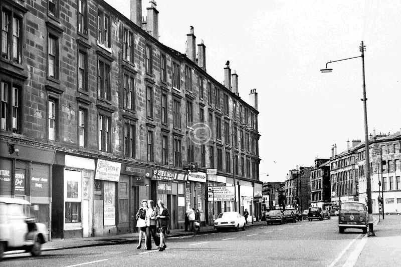 Ballater St, south side, east of the Cross.    September 1973