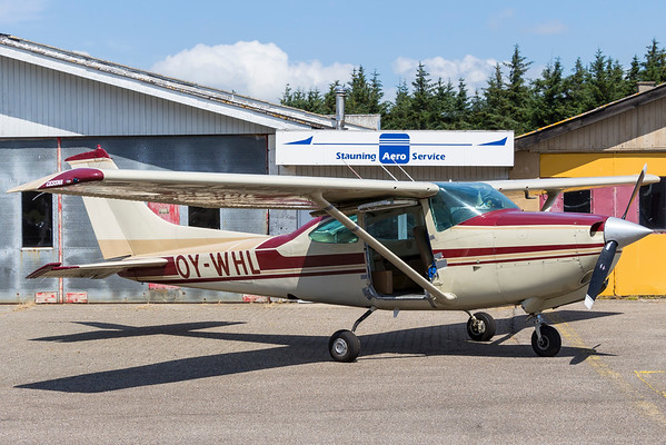 OY-WHL - Cessna TR182 Turbo Skylane RG